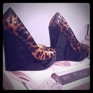 Leonard print platform heels